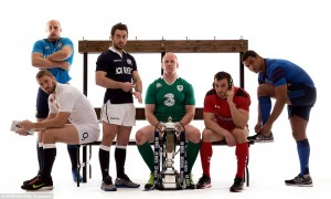 25232F8300000578-2929700-From_left_to_right_captains_Sergio_Parisse_Chris_Robshaw_Greig_L-a-60_1422444746908